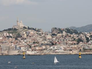 Privatisation de navire sur-mesure depuis le Vieux-port de Marseille