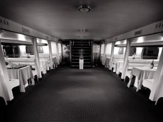 Salon inférieur du navire