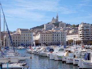 Départ du calanques Express depuis le Vieux-Port de Marseille