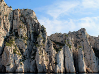 Swim from a boat in the creeks of Marseille