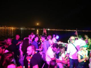 Fête d'anniversaire sur le Vieux-Port de Marseille