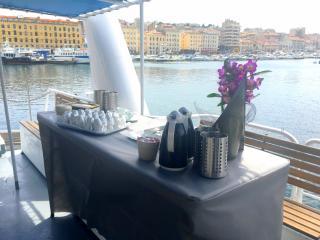 Événement familial sur un bateau à Marseille