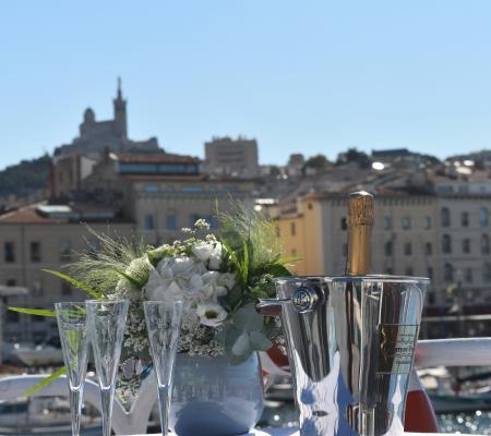 Mariage en mer à Marseille