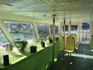 Déjeuner à bord de l'un des navires de notre flotte
