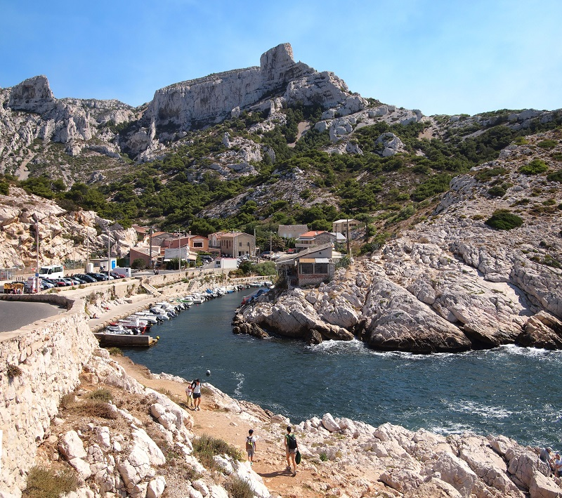 calanques croisière callelongue By Tiia Monto (Own work) [CC BY-SA 3.0 (http://creativecommons.org/licenses/by-sa/3.0)], via Wikimedia Commons